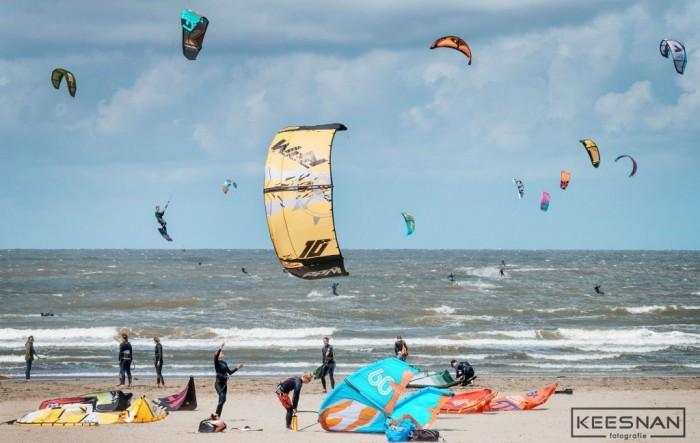 Weekly Picture | Kitesurfers