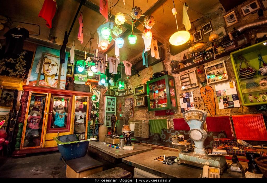 Szimpla kert kroeg in budapest keesnan dogger fotografie alkmaar - Decoratie bar ...